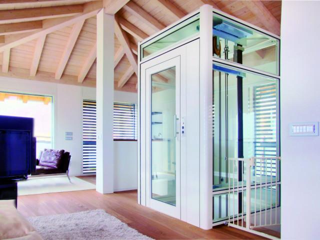 Der Personenaufzug BLH-D der Firma Lift Reith aus Ehrenberg in Hessen ist das ideale Beföderungsmittel für Ihr Einfamilienhaus,  Mehrfamilienhaus oder Bürogebäude