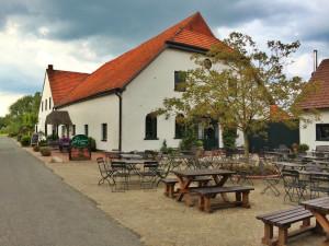 https://www.yelp.com/biz/gartelmanns-dielencafe-und-hofladen-bremen