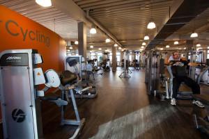https://www.yelp.com/biz/just-fit-10-light-fitnessclub-k%C3%B6ln
