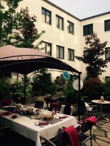 https://www.yelp.com/biz/hotel-esplanade-dortmund