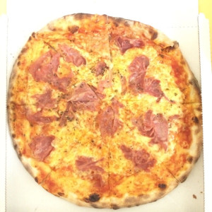 https://www.yelp.com/biz/trattoria-pizzeria-la-rucola-d%C3%BCsseldorf