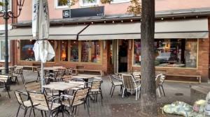 https://www.yelp.com/biz/cafe-bar-katz-n%C3%BCrnberg-2